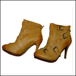 Stiefeletten Ankle Boots High Heels camel