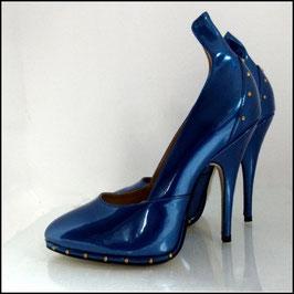 High Heels blau-metallic mit goldenen Nieten - Yasmina von Wissmann
