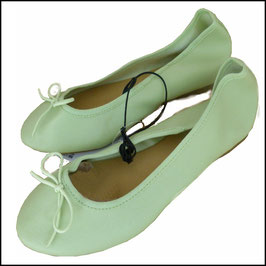 Ballerinas Gr. 38 hell-grün