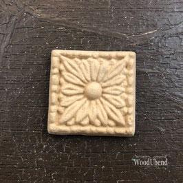 Square Flower Centrepiece WUB0207 3.3cms