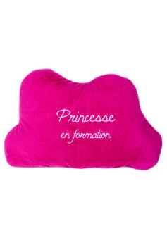 """Coussin décoratif """" princesse en formation """""""