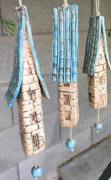 3 Keramik Windspiel Häuser blau beige