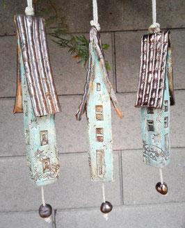 3 Keramik Windspiel Klangstäbe Glocken Häuser Winter
