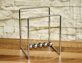 Kugelstoßpendel aus Edelstahl 14 cm