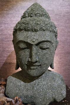 Budda Büste aus Fluss-Stein