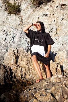 FREISTIEL PONCHO BLACK / WHITE