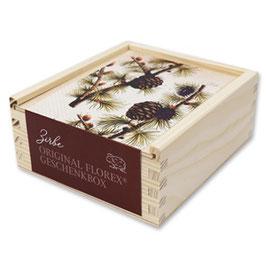 Holzbox mit Motiv Zirbe gefüllt