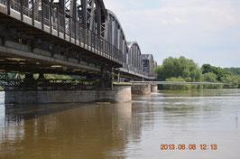 Elbbrücke bei Barby -Hochwasser 2013