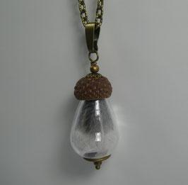 Halskette mit Anhänger aus Glas, Eichel + Feder