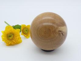 Holzkugel aus Haselnuss 54 mm