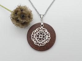 Halskette mit Anhänger aus einem Banksiazapfen & Ornament aus 925 Silber