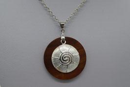 Halskette mit Anhänger aus Zwetschge & Spiralenmotiv aus 925 Silber