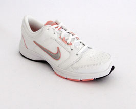 Nike Steady IX