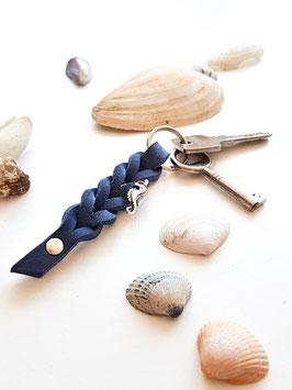 Schlüsselanhänger aus Fettleder ~ dunkelblau & sibler