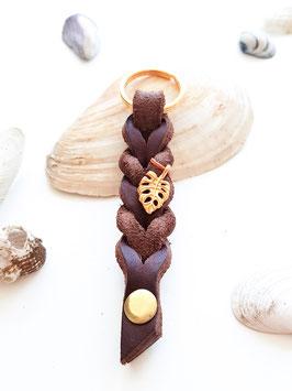 Schlüsselanhänger aus Fettleder ~ dunkelbraun & gold