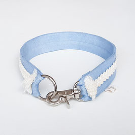"Schmuckhalsband Special ""Basis hellblau / Zopf weiß / Halsumfang 40cm"""