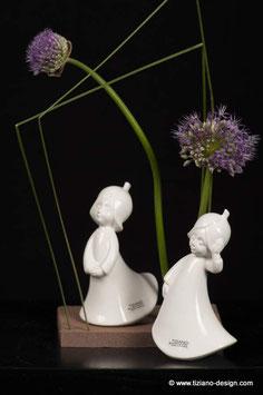 Blumenfee Lilly 14,5 cm creme   Hände unten