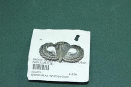 米軍放出品 パラシュート章 ピンバッチ 良品