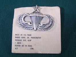 米軍放出品 パラシュート章シニア ピンバッチ