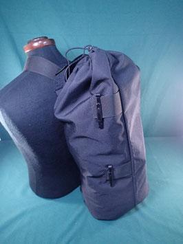 ブラックカラー 小型ダッフルバッグ