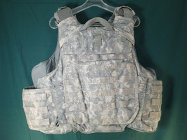 ACU IOTV(IMPROVED OUTER TACTICAL VEST) ボディアーマー