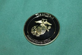 売切れ USMC EARNED NEVER GIVEN メダル 新同