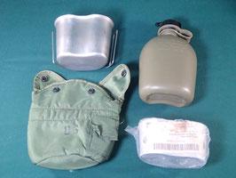 売切れ US LC-2 1QT キャンティーンポーチ 水筒、カップ、スタンドセット