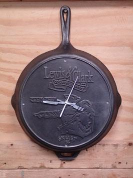 売切れ Camp Chef  フライパン 掛け時計 直径約36cm