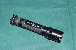 売切れ SUREFIRE E2D EXECUTIVE DEFENDER ブラックカラー ライト 良品