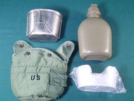 売切れ 米軍放出品 US LC-2 1QT キャンティーンポーチ 水筒、カップ、スタンドセット