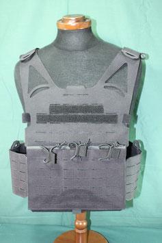 レプリカ スウェーデン軍 特殊部隊使用 ブラックカラープレートキャリア レーザーカット 新品