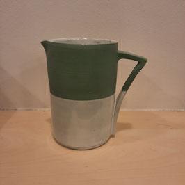 Kannetje mat groen met matte witte glazuur