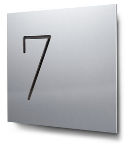 "Hausnummern ""7…"" konturgeschnitten in Aluminium"