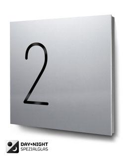 """Hausnummern """"2…"""" beleuchtet in Aluminium"""