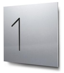 "Hausnummern ""1…"" konturgeschnitten in Aluminium"