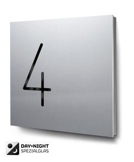 """Hausnummern """"4…"""" beleuchtet in Aluminium"""