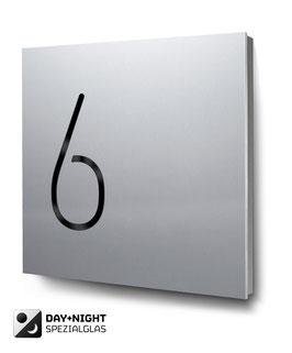 """Hausnummern """"6…"""" beleuchtet in Aluminium"""
