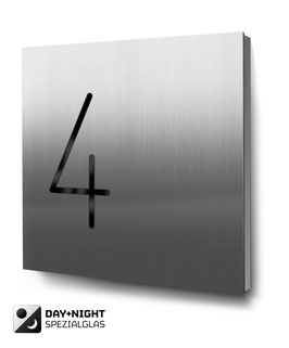 "Hausnummern ""4…"" beleuchtet in Edelstahl"