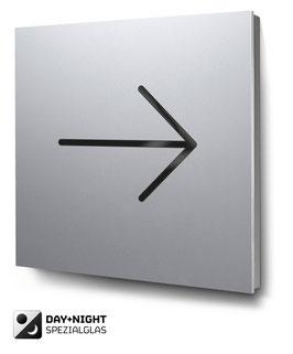 Pfeil nach rechts beleuchtet in Aluminium, Art. PT018L0010