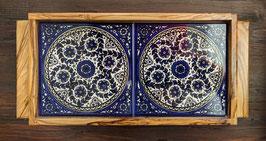 Serviertablett aus Keramik und Olivenholz