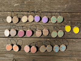 Créoles colorées en bois
