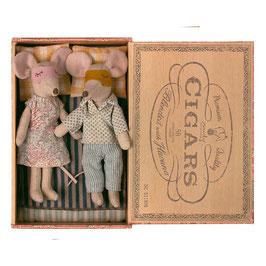 Maileg Mama und Papa Maus in der Zigarrenbox