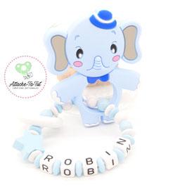 Hochet, anneau de dentition personnalisé, éléphant, bleu et blanc.