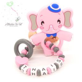 Hochet, anneau de dentition personnalisé, éléphant, rose et gris.