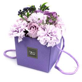 Bouquet de fleurs violet (roses et oeillets) en savon