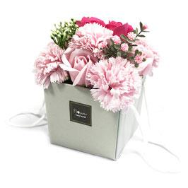 Bouquet de fleurs roses (roses et oeillets) en savon