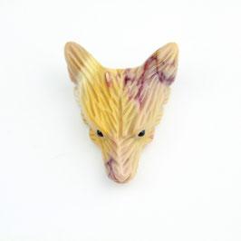 Der Wolf als Edelsteinanhänger: Mookait