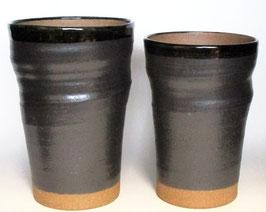 ペアビアカップ 黒釉焼〆