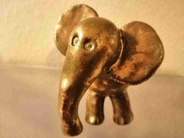 Baby-Elefant und Mini-Baby-Elefant