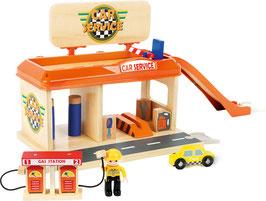 Autowerkstatt mit Tankstelle